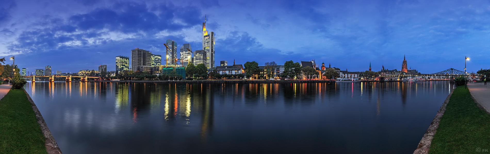 Frankfurt_SkylinePano_2 F_K