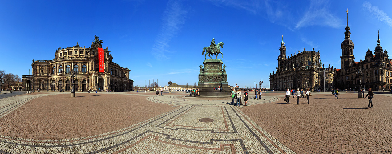 Dresden_Theaterplatz