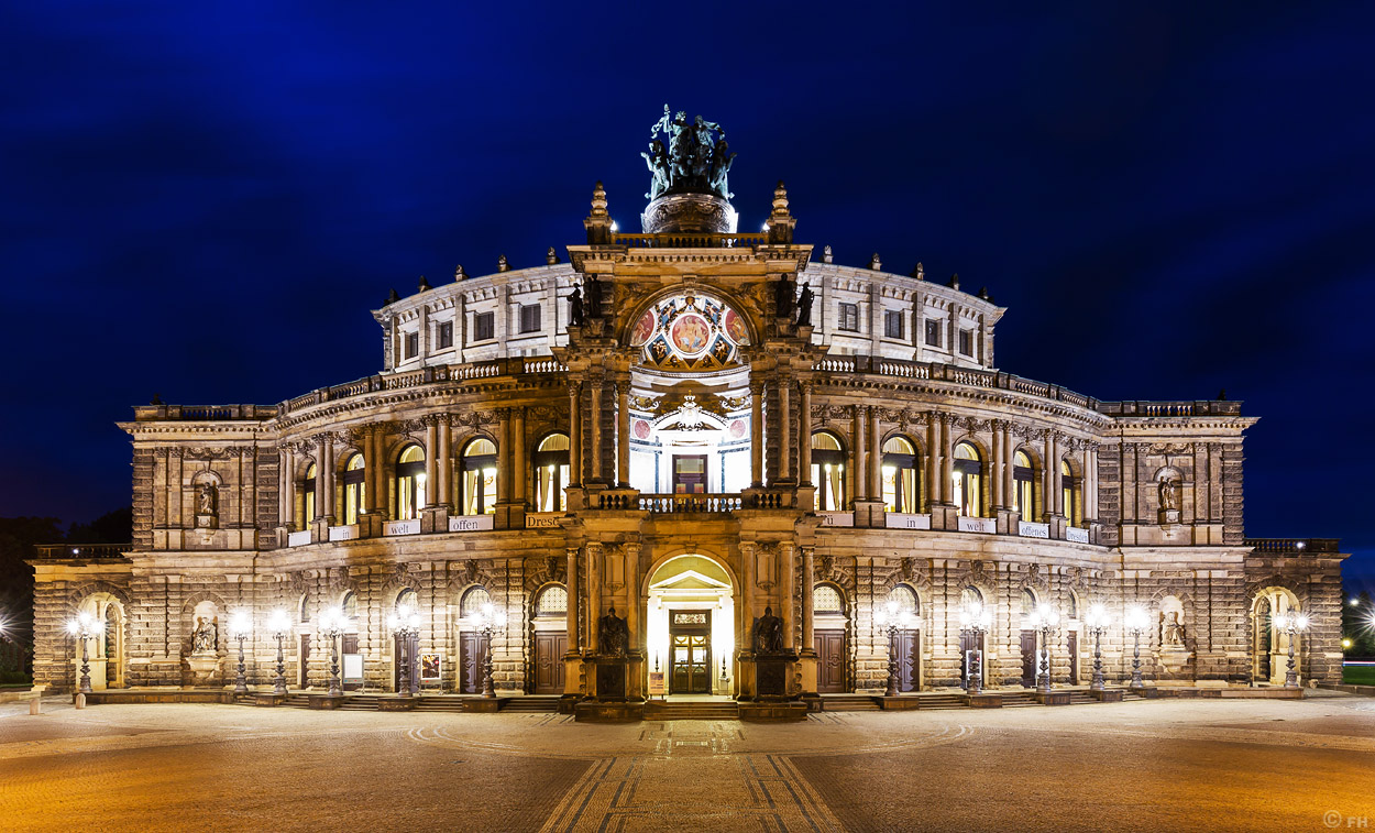 Dresden_Semperoper_k