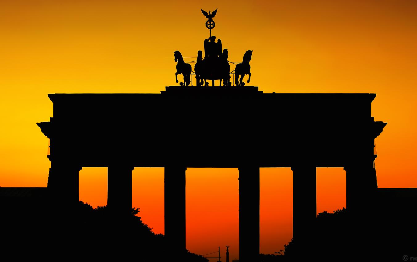 BrandenburgerTor_Silhouette_k