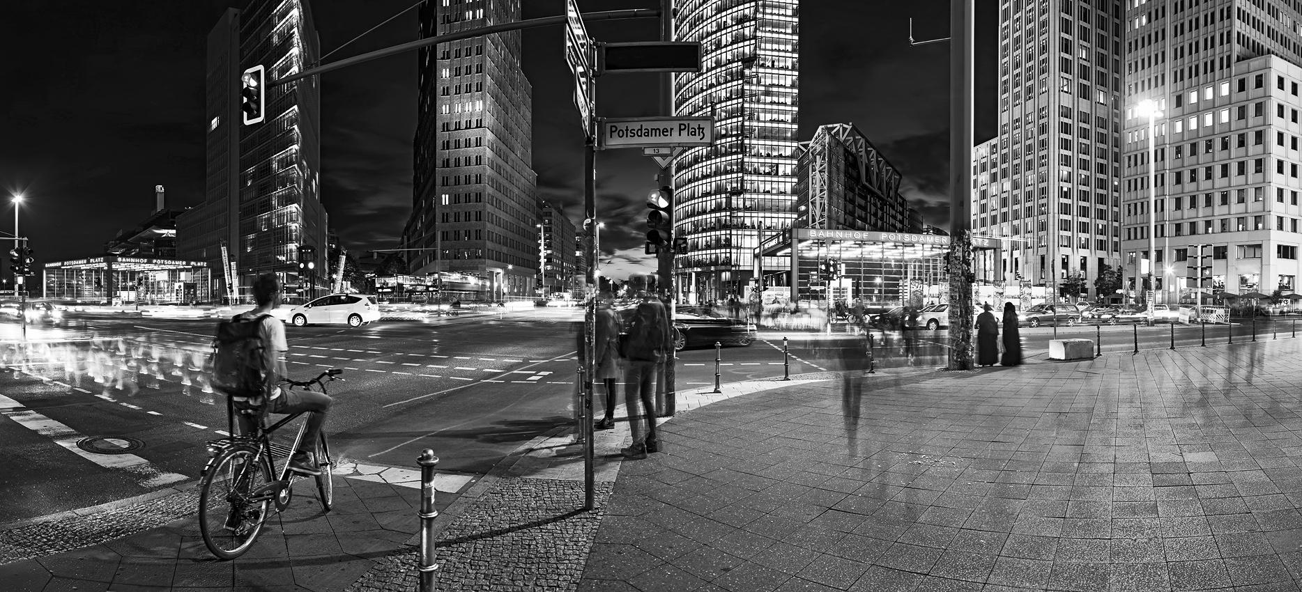 PotsPlatz_citylights_Pano1_SW_k