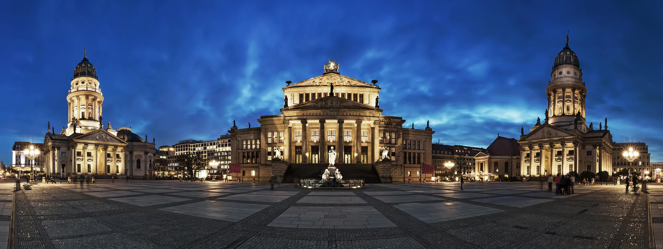Gendarmenmarkt_Panorama_k