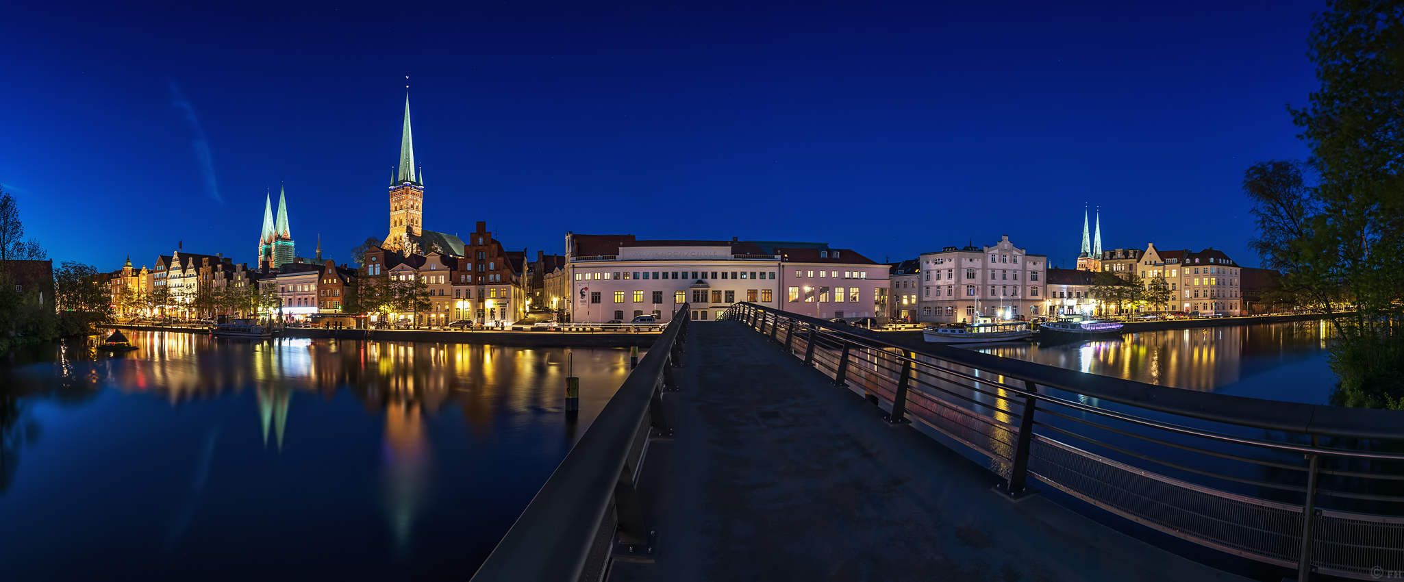 Luebeck_Skyline_Panorama_1_k