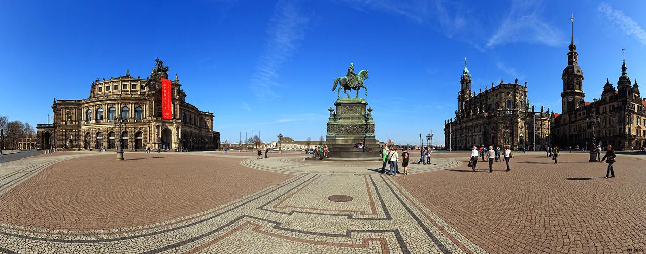 Dresden_Theaterplatz