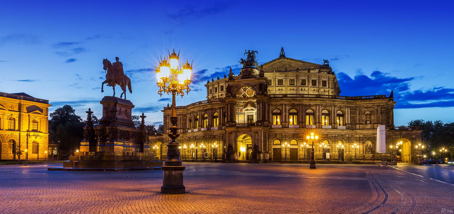 Dresden_Semperoper__k